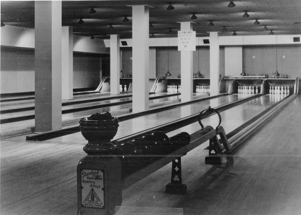 Bowling alleys (1930-1972)