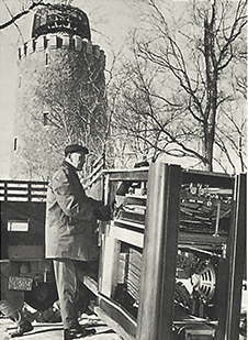 On January 16, 1967, the Carillon console, which resembled a large organ, was installed in a specially designed building near the Tour de Lévis.